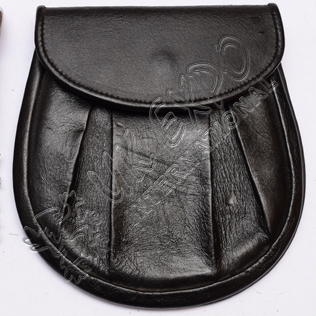 Black real leather sporran bag with velcro inside for closing