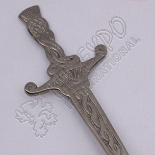 Celtic Crown Design Shiny Antique Kilt Pin