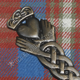 CLADDAGH KILT PIN black antique color