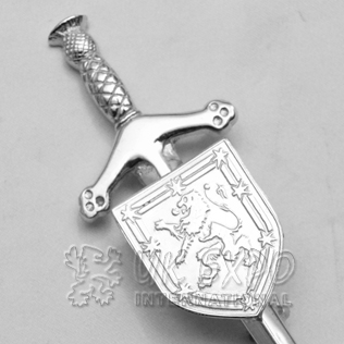 Royal Flag of Scotland sword Kilt pin